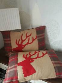 2 x Stagsden head cushions