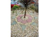 Garden paving feature