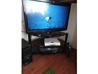 big screen ,panasonic viera full hd lcd tv, with freeview +free glass tv stand,