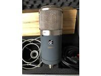 sE Gemini II condenser microphone