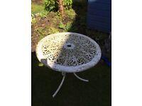 Garden table metal -free