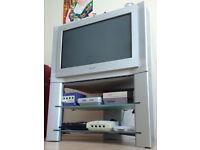"""TV CRT 28"""" Sony Trinitron KV-28FX68U in mint condition. Perfect for retro videogames!"""