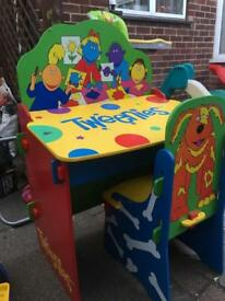 Kids desk with chair