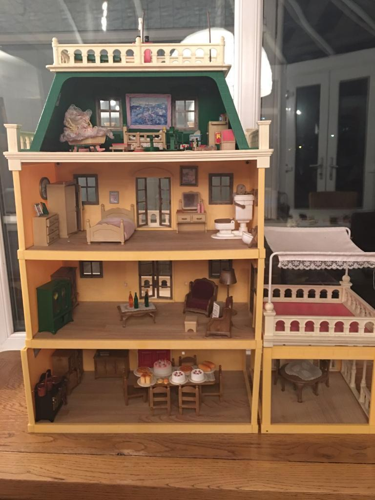 Sylvanian family country mansion furniture and characters