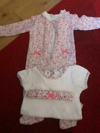 Up to 6 months outfit £3