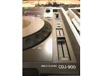 Pioneer CDJ 900 (pair) IMMACULATE with SWAN FLIGHT CASES