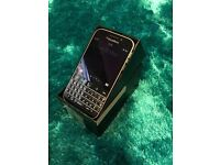 Mobile Phone: Blackberry Classic Unlocked to all networks - 16GB