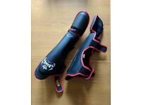 Muay Thai kickboxing shin guards (medium) - new condition