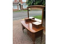 Bedroom Dressing Table with large mirror