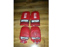 Bryan training gloves - 2 Pairs.