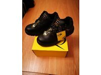 Men's or ladies Dunlop workboots