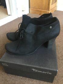 Tamaris Women's shoe boots - Size 5