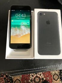 Apples IPhone 7 black 32gb unlocked very good with receipt