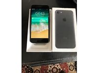 Apples IPhone 7 black 32gb unlocked very good with receipt