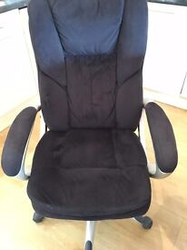 'Executive' (Swivel) Desk Chair in good condition. (I no longer have a desk)