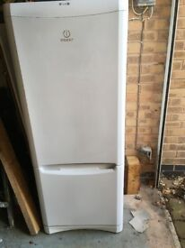 Indesit fridge freezer , a+ , clean and working
