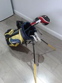 NICE SET OF JUNIOR GOLF CLUBS + FREE EXTRAS see pics and description