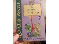 The Magic Finger (Dahl Fiction) - Book by Roald Dahl (Paperback, 2016)