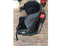 Maxi Cosi Axiss Swivel car seat & Maxi Cosi Pebble - sold as a Bundle