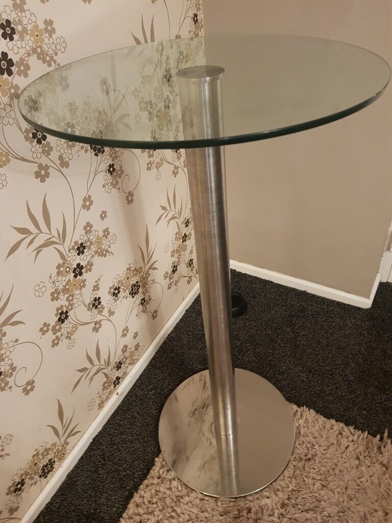 Picture of: Glass Top Bar Table For Sale For 50 In Southampton Hampshire Gumtree