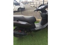 125cc scooter £600 quick sale