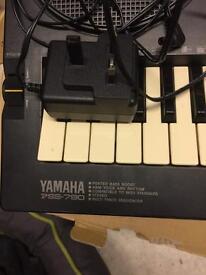 Keyboard Yamaha 790