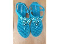 Ladies Sandals size 41 (7)