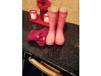 Pink hunter wellies size 10 (infant)