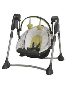 Like New Graco Swing By Me Infant Swing (pick up) PU4