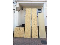 Particle board & chipboard pieces