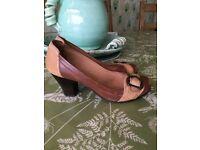 Ladies Jones leather mid heel shoe