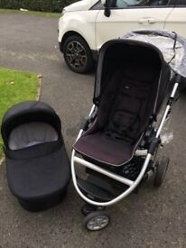 3 wheel Zoom mamas and papa pram with carry cot and accessories