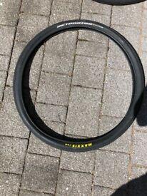 Maxxis Detonator tyres 26 X 1.5, pair