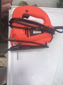 **BLACK AND DECKER**ELECTRIC JIGSAW**WITH BLADE**FULLY WORKING**NO OFFERS**