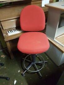 Tall Cashiers Swivel Chair