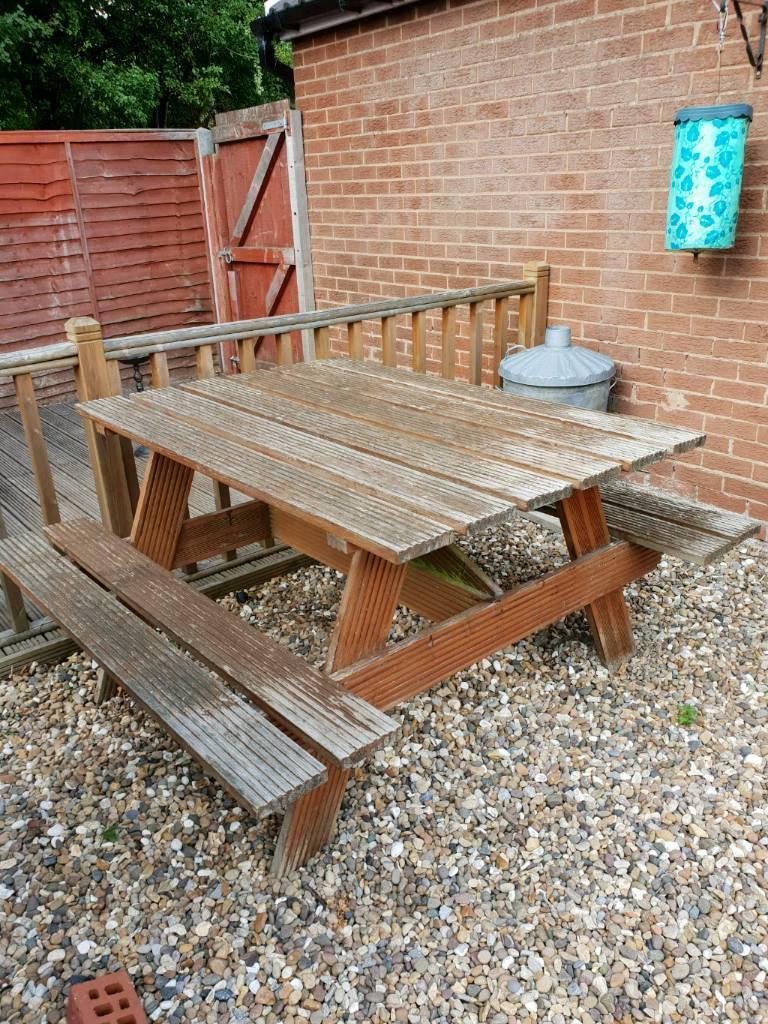 FREE.... Garden bench   in Hull, East Yorkshire   Gumtree