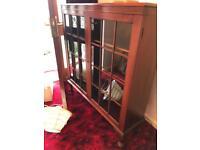 Lovely display cabinet/ book shelf