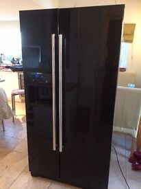 Siemens American Fridge Freezer in gloss black with tons of storage and ice & drinks dispenser
