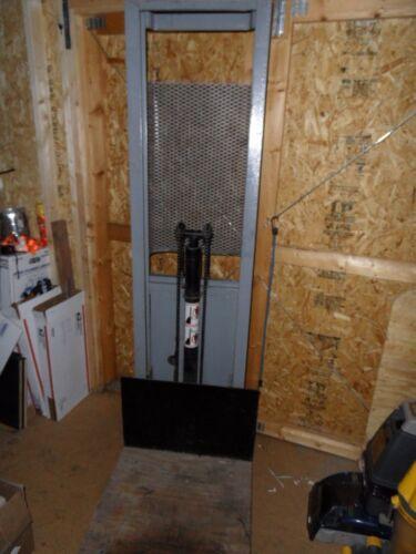 Regal Battery Operated Material Platform Lift