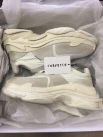 Balenciaga triple s trainer 2.0 white/ecru. EU42 Uk8. 100% authentic from Farfetch Receipt.