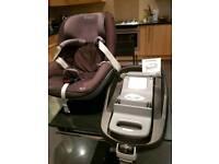Maxi Cosi Pearl Car seat and Family fix isofix base