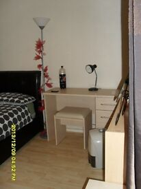 LBLewisham: Double bed avail now: 130pw all inc