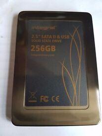 INTEGRAL SSD 2.5 SATA 11 & USB 256GB laptop hard drive
