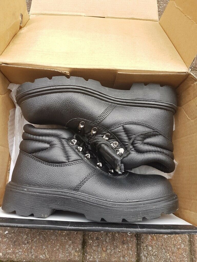 d241b8a47 ARCO size 7 uk black safety boots | in Livingston, West Lothian | Gumtree