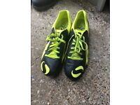 Men's size 10 football boots