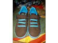 Lonsdale boys trainers size 13