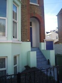 2/3 bedroom versatile self-contained furnished flat in Southsea house.