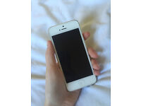 Apple iPhone 5 - White Edition - Unlocked To Any Mobile Network - Great Cosmetic Condition