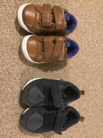 2 pairs of boys toddler shoes size 4