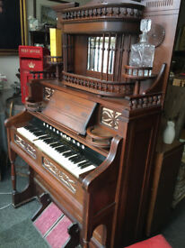 Very Nice Rare Working Antique Victorian Ornately Carved Reed Pump Organ